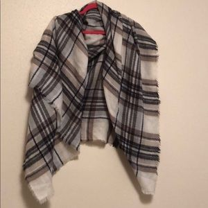 Accessories - Brown/ivory plaid scarf